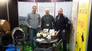 Promocionando la certificación «Llet de cabres catalanes» a la Fira de l'Oli de les Garrigues